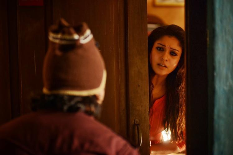 Nayantara Nice And Simple Look Still From Anamika Tamil Movie