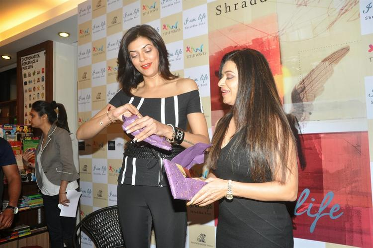 Author Shraddha Soni With Actress Sushmita Senduring The Launch Of Her Book I Am Life In Mumbai