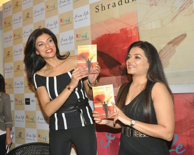 Sushmita And Author Shraddha Soni Launches Her Book I Am Life In Mumbai