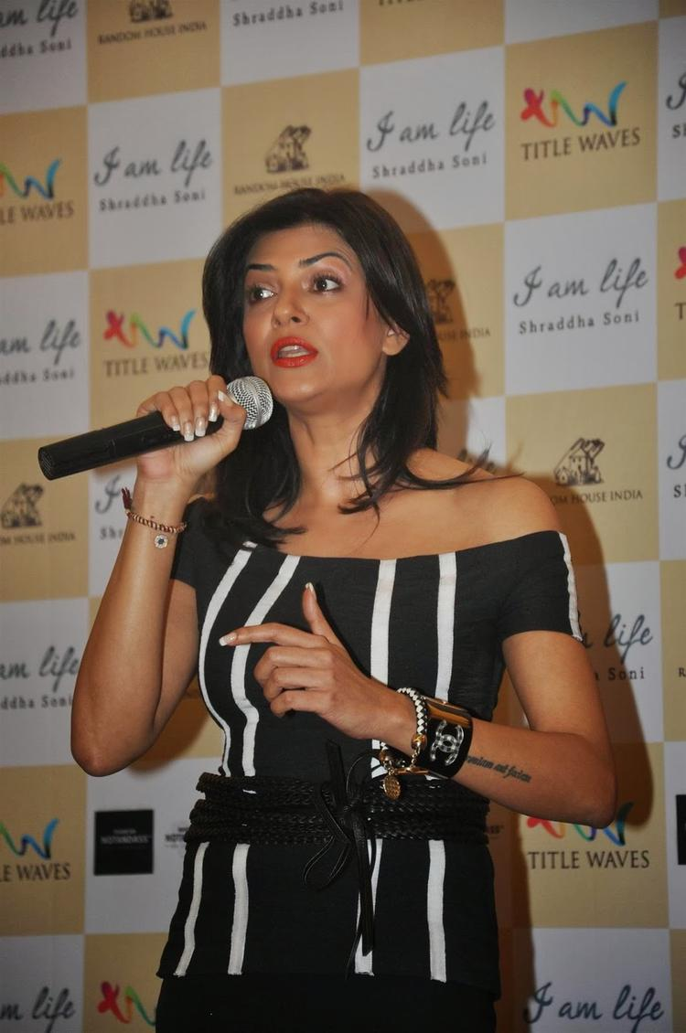 Sushmita Sen Snapped At Launch Of Shraddha Soni's Book I Am Life In Mumbai