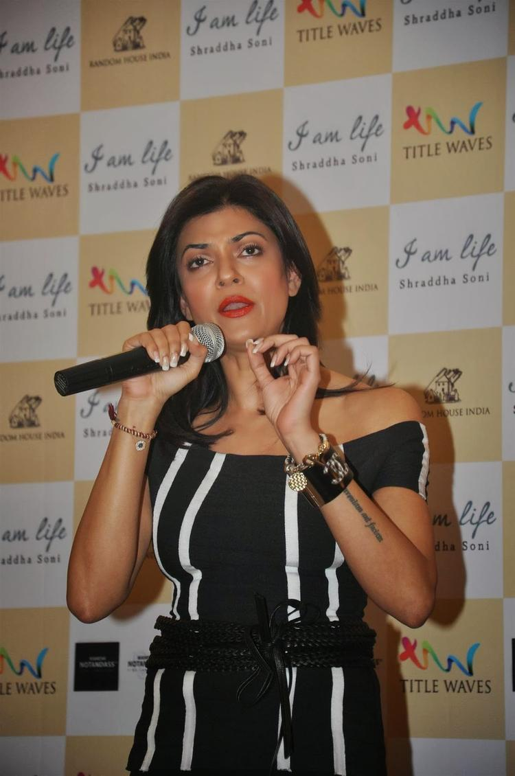Sushmita Sen Spokes About Book At Shraddha Soni's Book I Am Life Launch Event