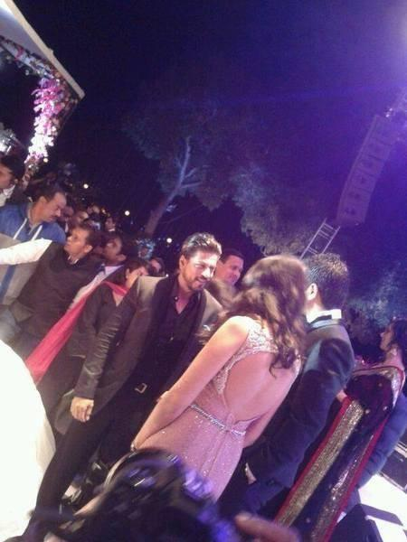 Shah Rukh Khan Met The Couple At Their Wedding Bash