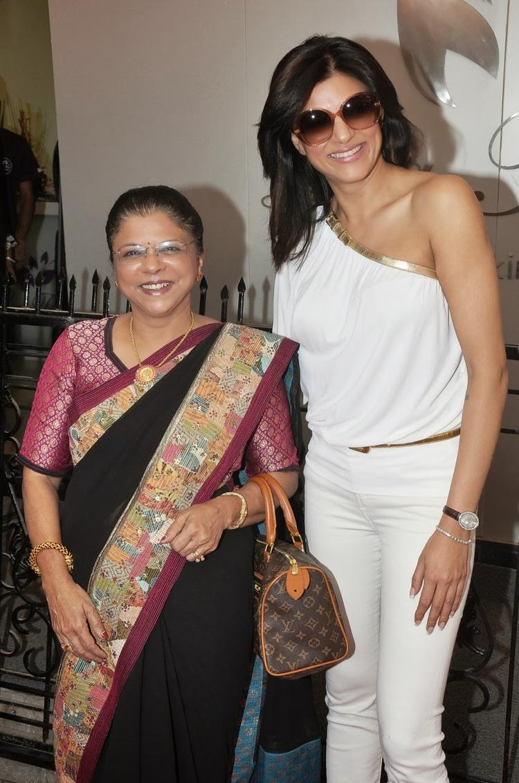 Dr. Shrilata And Sushmita Smiling Pic For Camera At La Piel Clinic Launch Event