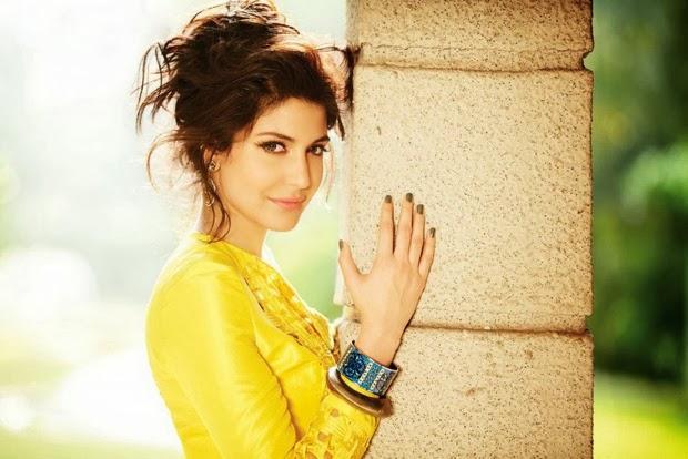 Anushka Sharma Stunning Cute Face Look Shoot For Filmfare Magazine February 2014 Issue