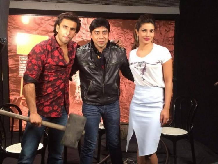 Ranveer Singh And Priyanka Chopra Posed For Camera During The Promotion Of Gunday
