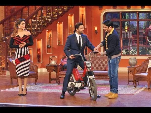 Priyanka Looks Gorgeous In An Off Shoulder Dress At The Comedy Show,Ranveer And Kapil Fun Still