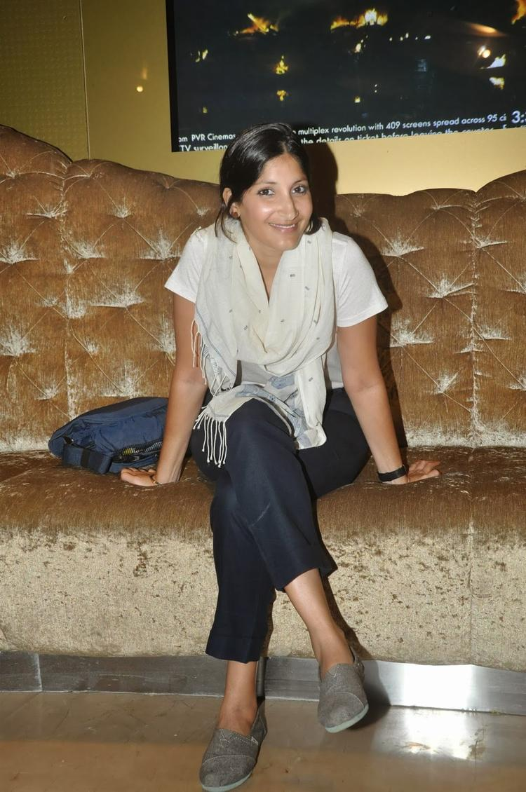 Maya Sarao Charming Smiley Face Pic At The Trailer Launch Of Film Ankhon Dekhi