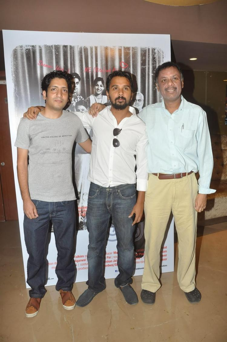 Namit Das Pose With Others At The Trailer Launch Of Film Ankhon Dekhi