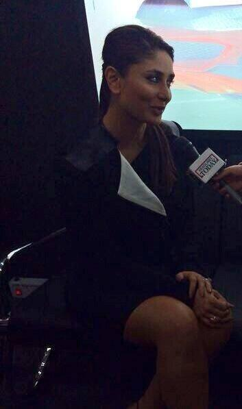 Hot Kareena Interaction At The Unveiling Of Tia At Auto Expo 2014