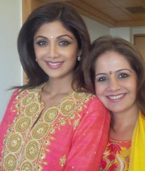 Shilpa Shetty And Her Partner Nice Pose For Photo At The Launch Of Her Spa Outlet