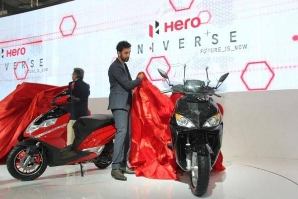 Pawan Munjal And Ranbir Kapoor Launched Two Scooters From Hero Motocorp- The 150cc ZIR Range And The Aggressively Styled 125cc Dare At The Auto Expo 2014