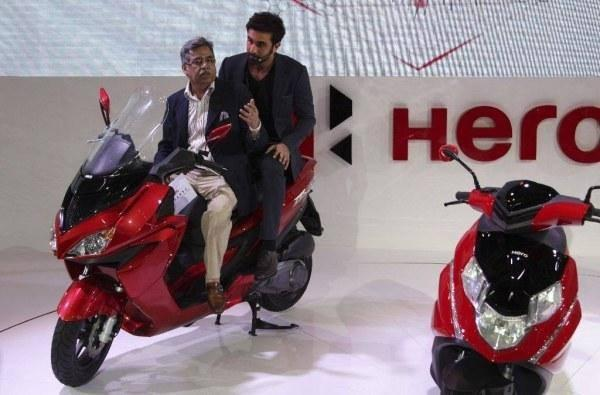 Ranbir Kapoor Unveiled The Three Models At The Auto Expo 2014