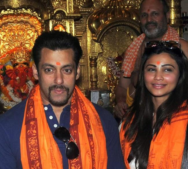 Salman Khan And Daisy Shah Posed For Camera At The Siddhivinayak In Mumbai