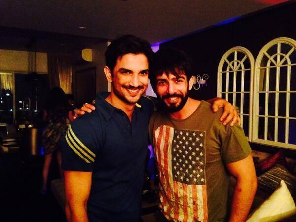 Sushant Pose With Jay At His Party