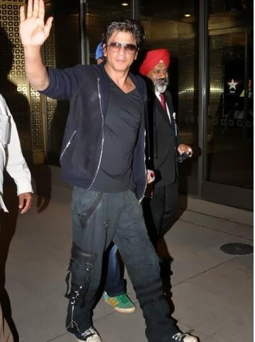 Shahrukh Khan Leaves For Temptations Concert In Malaysia