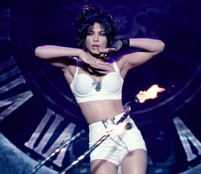 Priyanka Chopra Shows Her Curvy Figure In Asalaam-E-Ishqum Song From Gunday Movie