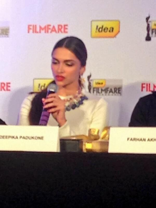 Deepika Padukone Speaks Something During The Launch Of Filmfare Cover