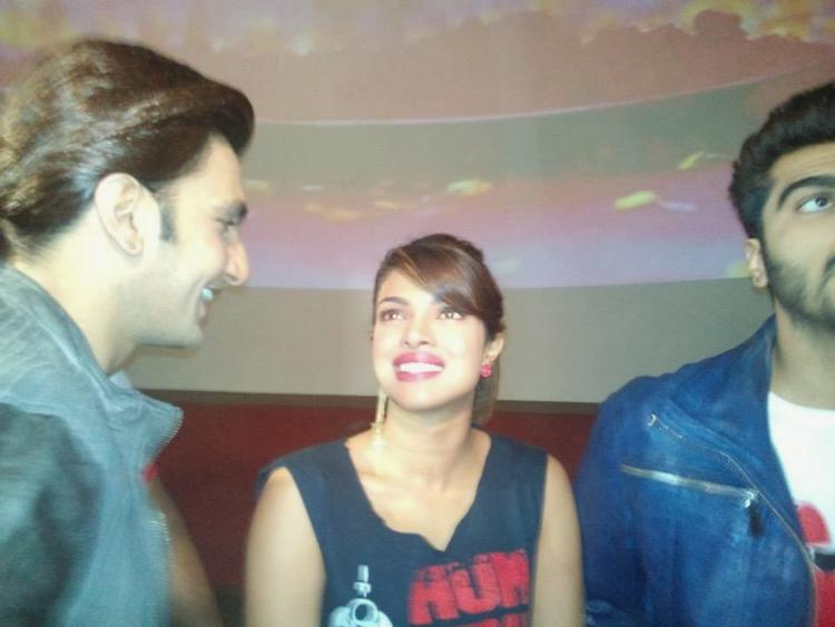 Ranveer,Priyanka And Arjun Cool Chatting During The Promotion Of Gunday At Gaiety Theatre