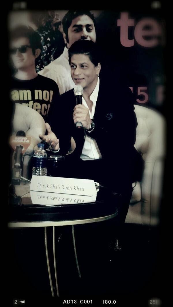 SRK Addresses The Media At Temptation Reloaded 2014 Press Conference