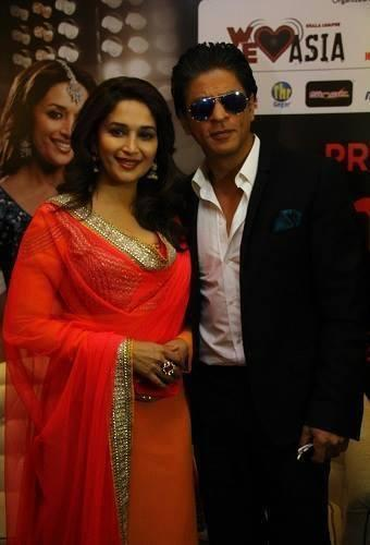 Shahrukh And Madhuri Nice Look At The Temptation Reloaded Press Conference