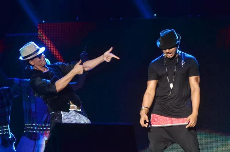 SRK And Honey Singh Rocked On The Stage At Temptation Reloaded 2014 In Malaysia