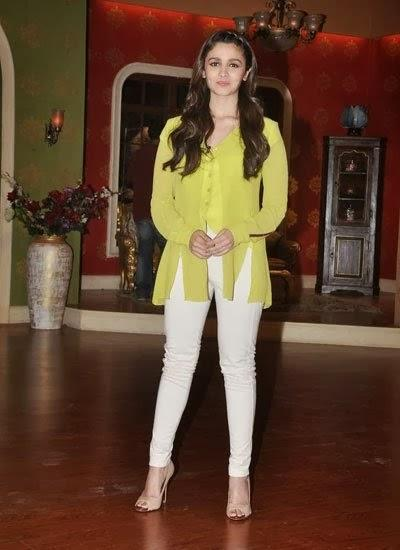 Alia Bhatt On The Sets Of Comedy Nights With Kapil To Promote Highway