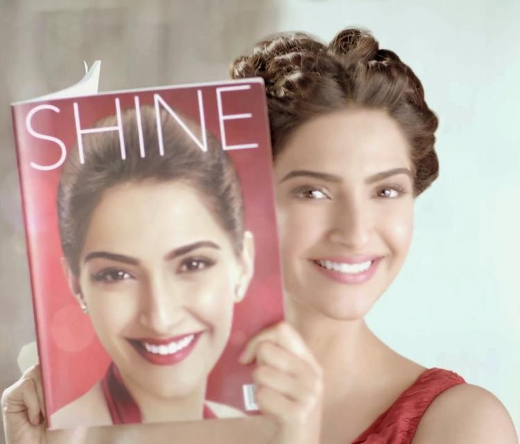 Glamour Sonam Kapoor Sweet Smiling Face Pose Colgate Visible White Ad Photoshoot