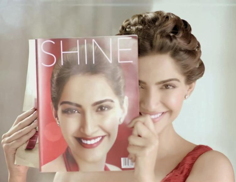 Sonam Kapoor Sweet Smiley Face Look Colgate Visible White Ad Photoshoot