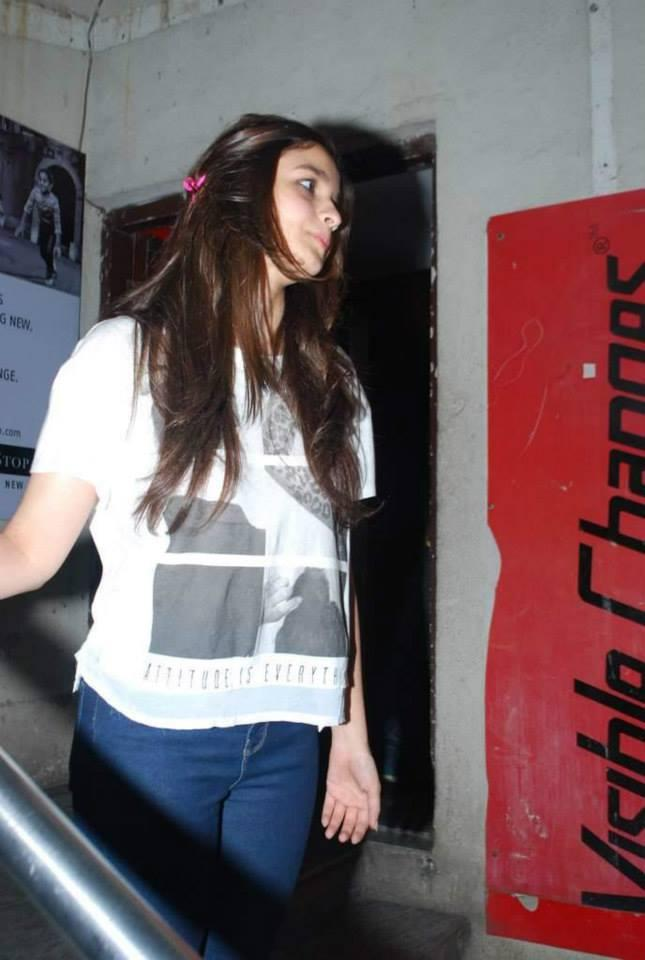 Alia Bhatt Present At The Special Screening Of Highway