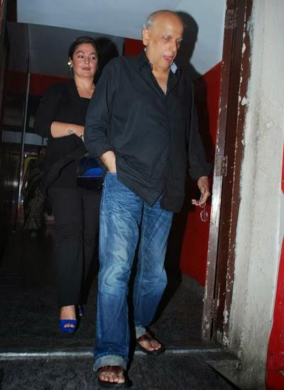 Pooja Bhatt With Father Mahesh Bhatt Present During The Special Screening Of Highway