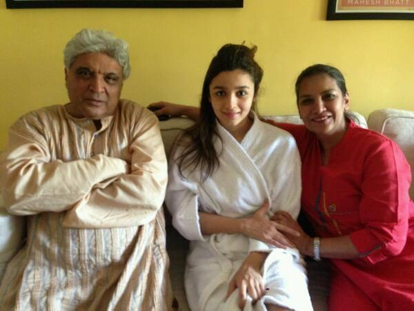 Alia Bhatt In Bath Towel Clicked With Javed Akhtar And Shabana Azmi