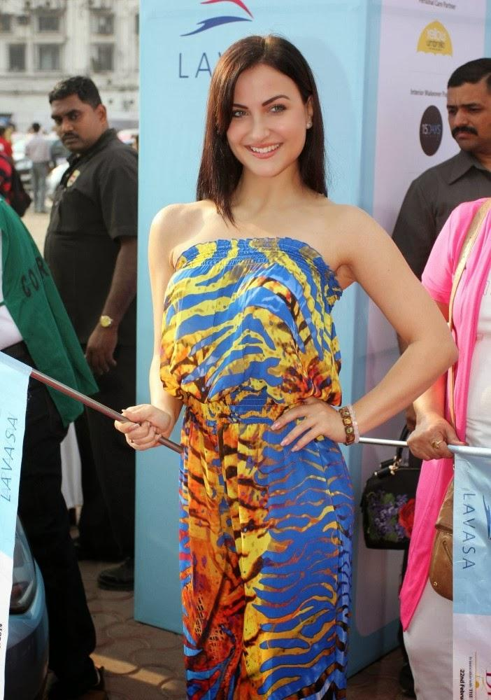 Elli Avram Flags Off Car Rally During 6th Edition Of The Lavasa Women's Drive