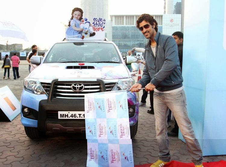 Kunal Flags Off Car Rally During 6th Edition Of The Lavasa Women's Drive