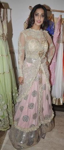 Mahie Gill Spotted At Designer Amy Billimoria's Store