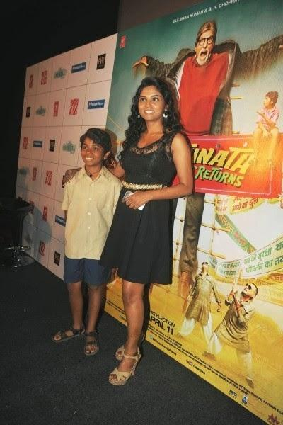 Usha Jadhav With The Little Star Parth At Bhoothnath Returns Launch