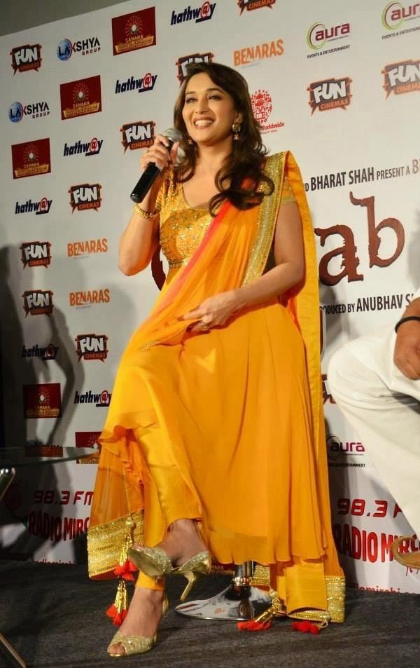 Madhuri Dixit Looks Sizzling In Anarkali Suit During Gulaab Gang Promotion In Bhopal