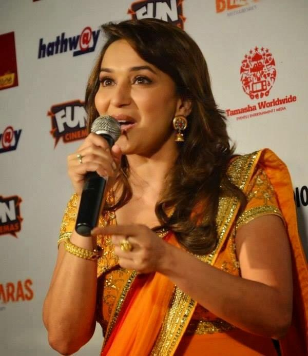 Pretty Madhuri Dixit Interacts With Audiance At Gulaab Gang Promotion In Bhopal