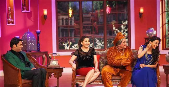Kapil,Madhuri,Ali And Juhi Smiling Cool Look During The Promotion Of Gulaab Gang On The Sets Of Comedy Nights With Kapil