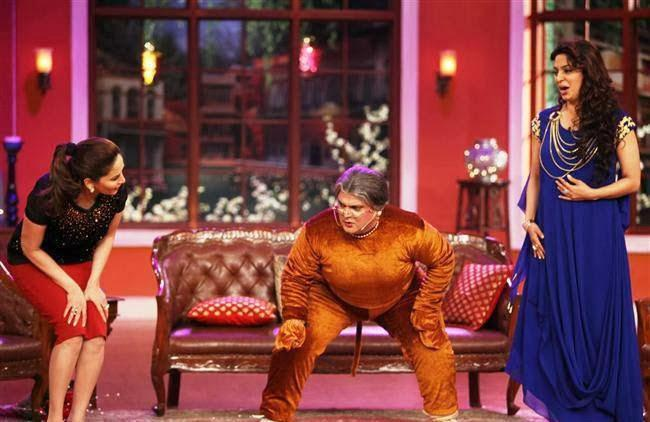 Madhuri,Ali And Juhi Cool Funny Look During The Promotion Of Gulaab Gang On The Sets Of Comedy Nights With Kapil
