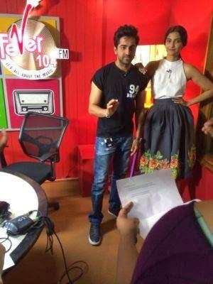 Ayushmann And Sonam Posed For Camera During The Promotion Of Bewakoofiyaan At Fever 104 FM