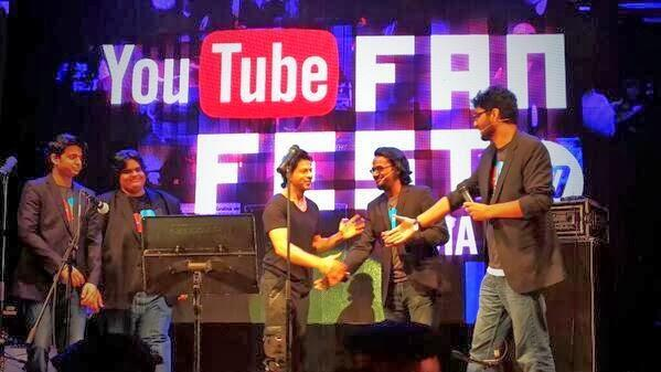 Shahrukh Khan Meets His Fans At Youtube Fanfest 2014