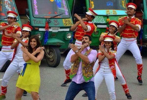 Parineeti And Aditya Shake A Leg For Their New Movie Daawat E Ishq Song