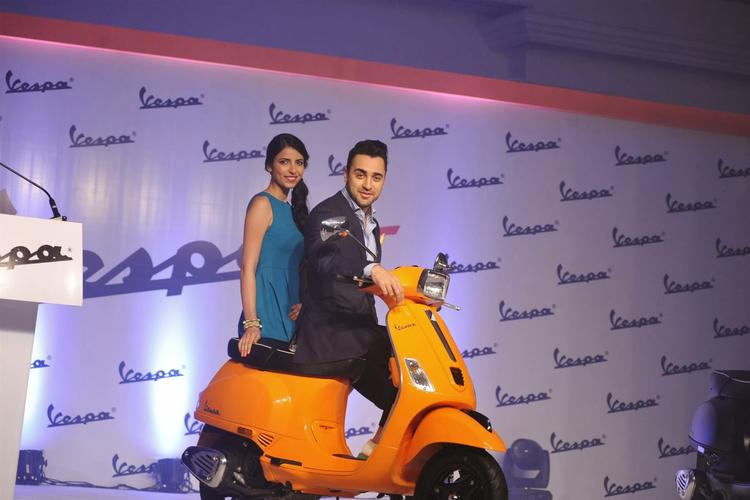 Imran Khan Launched Piaggio Vespa Automatic S Scooter At Mumbai