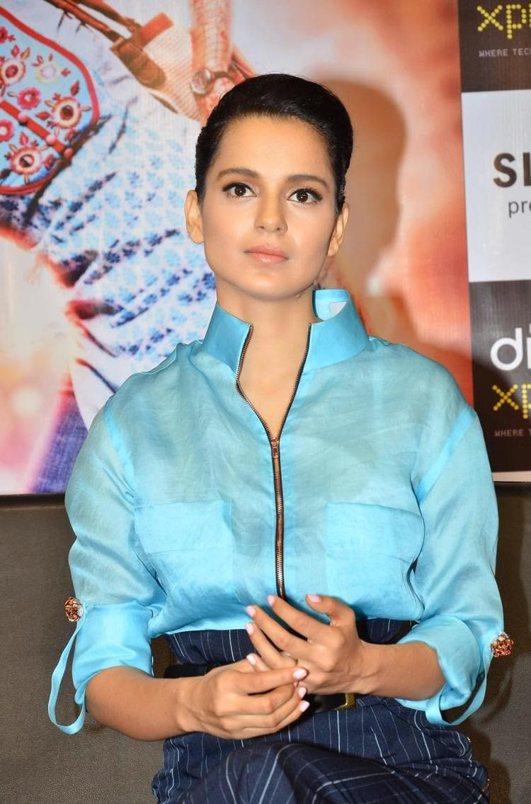 Kangana Ranaut Dazzling Charming Face Look At Reliance Digital Express Store, Prabhadevi, Mumbai During The Promotion Of Queen