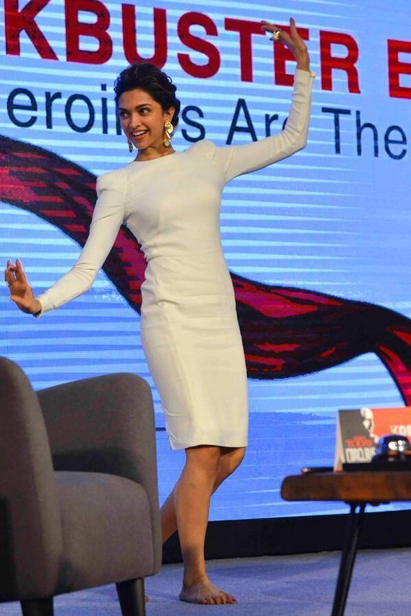 Deepika Padukone Rocking Pose On The Stage At The India Today Conclave 2014 In Delhi