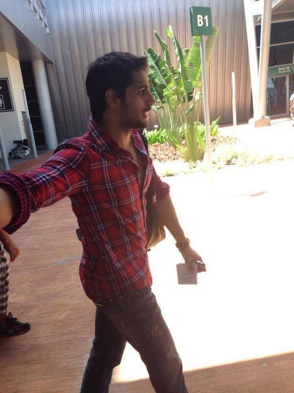 Sidharth Malhotra Cool Dashing Pose In Red Shirt In Mauritius