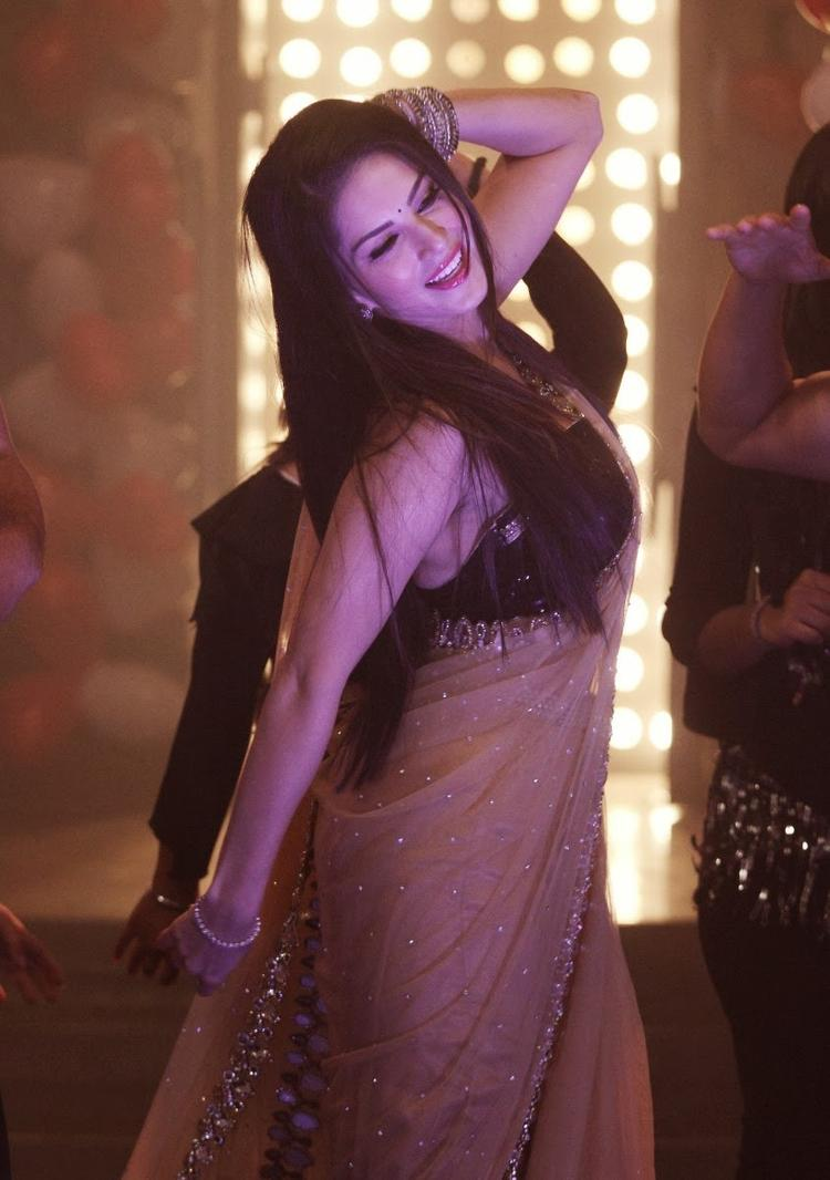 Sunny Leone Danced On The Sets Of Pavitra Rishta During The Promotion Of Ragini MMS 2
