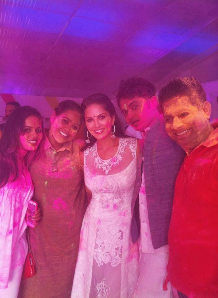 Sunny Leone Playing Holi With Ragini MMS Starcast During Holi Celebration Party