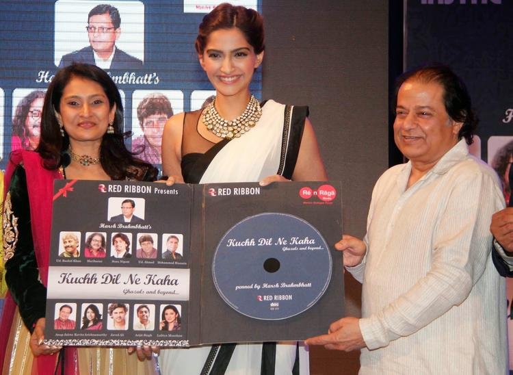 Sonam Kapoor And Anup Jalota Launched The Ghazal Album Kuch Dil Ne Kaha