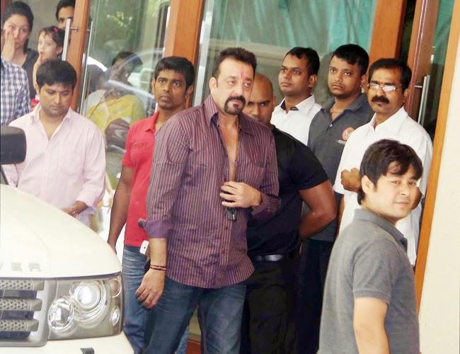 Actor Sanjay Dutt Saturday Left For Pune's Yerwada Jail After His Parole